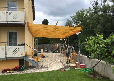 Holzbau Layh Aufrichten Pergola Montage Baustelle